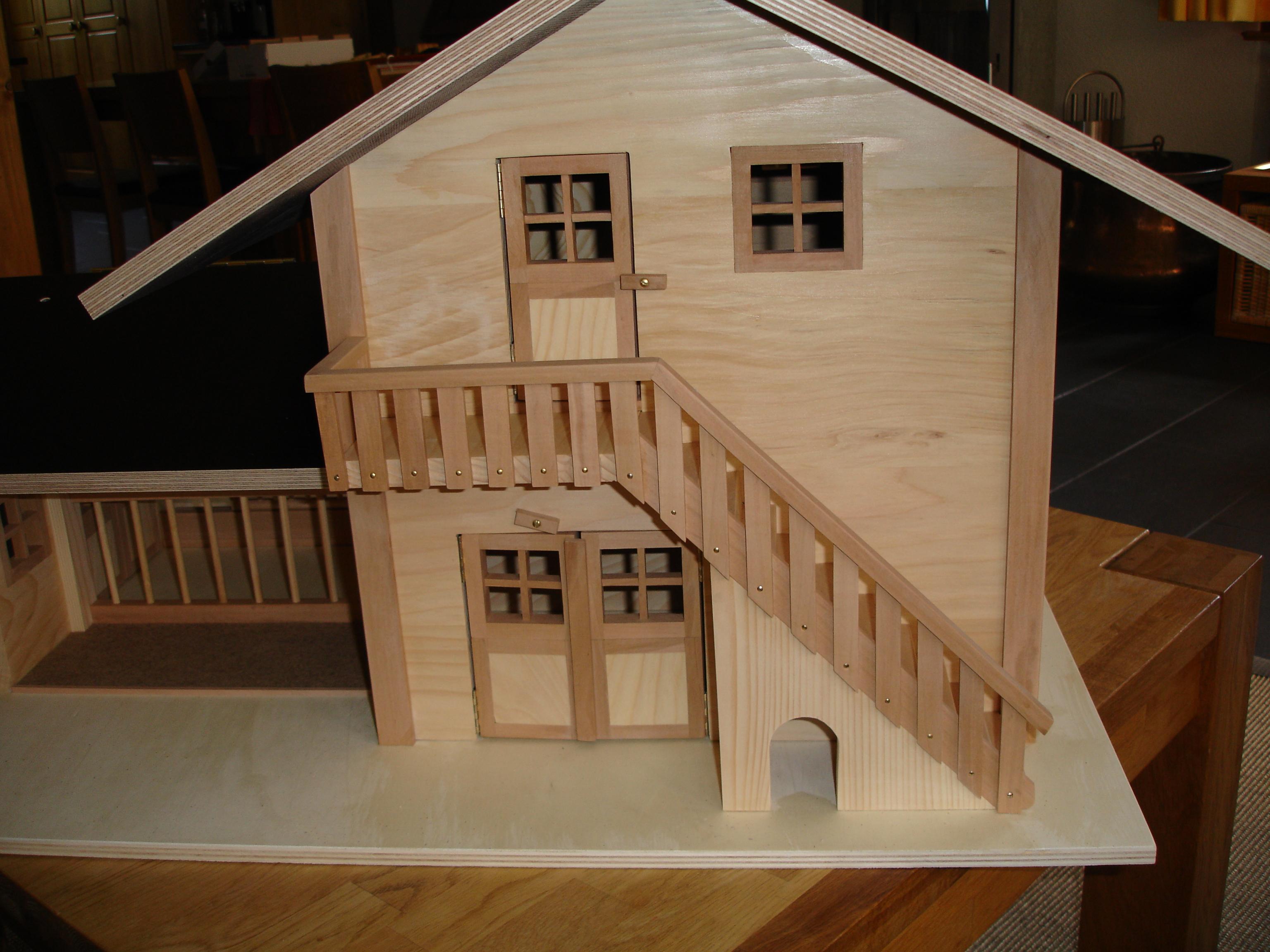 stall mit wohnung spielhaus puppenhaus. Black Bedroom Furniture Sets. Home Design Ideas